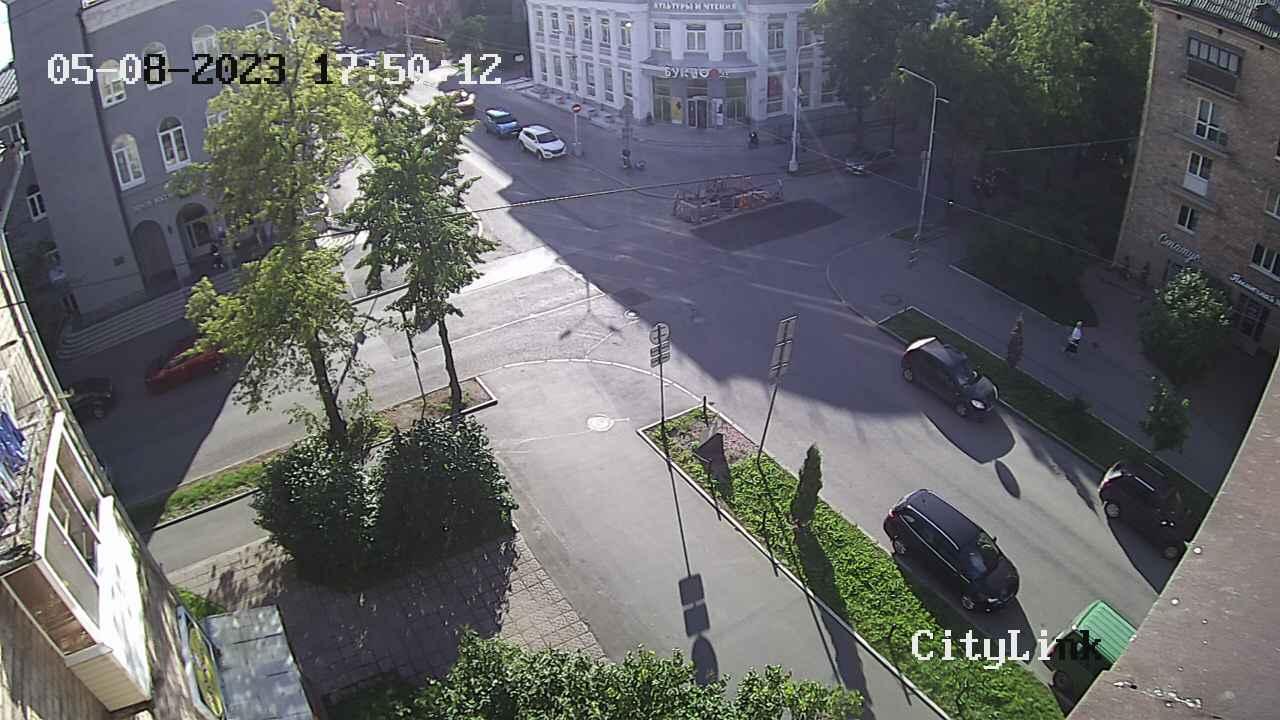 Dzerzhinsky street -- Sverdlov street